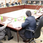 Representatives of EAOC members and Japanese national agricultural cooperative organizations exchange opinions on their activities in Tokyo on Monday, October 7.