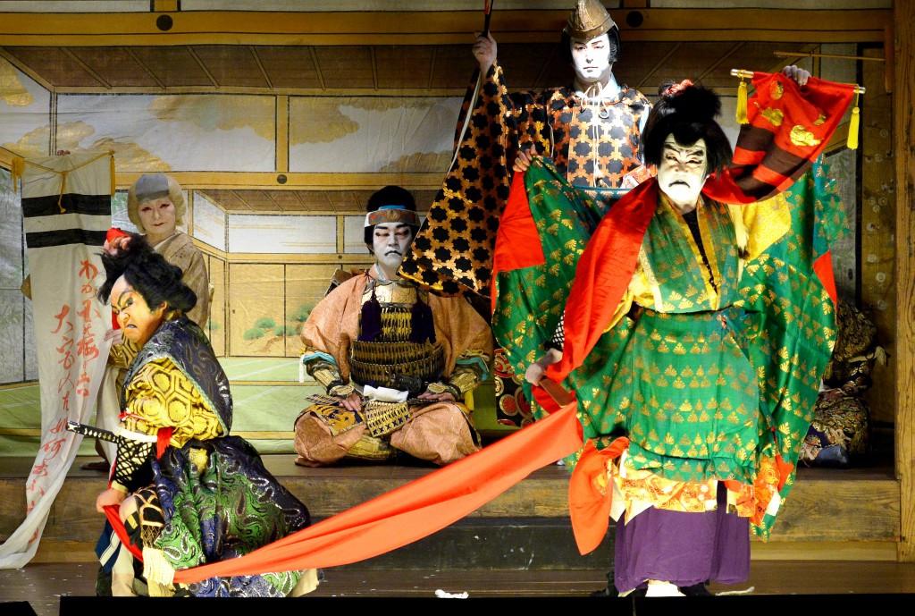 Kabuki actors in gorgeous costumes. (in Hinoemata, Fukushima Prefecture)