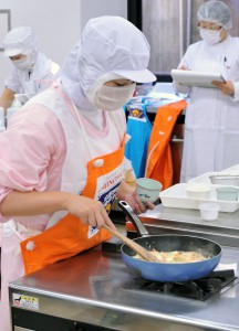 Contestants must prepare food in time, always paying highest attention to hygienic conditions.